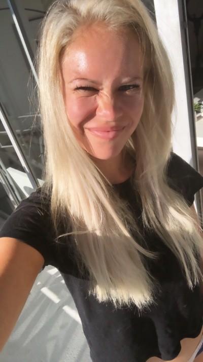 brains over blonde skincare no makeup